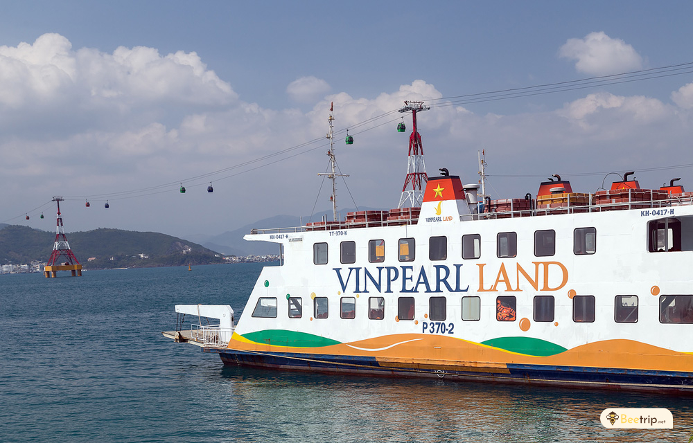 boat-to-vinpearl-land