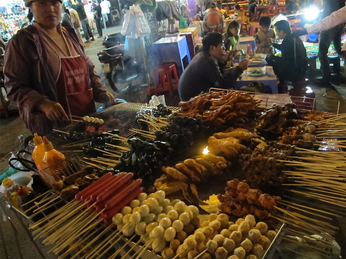 street-food-at-night
