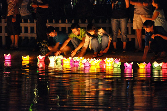 7 activities you must do at night in Hoi An